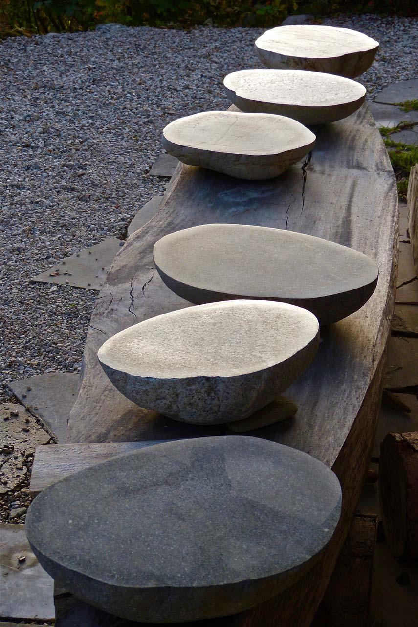 NAHRUNG-NATUR–Steinschalen,-bootförmiger-Tisch,-280x75x80cm,-2019,-Weyer