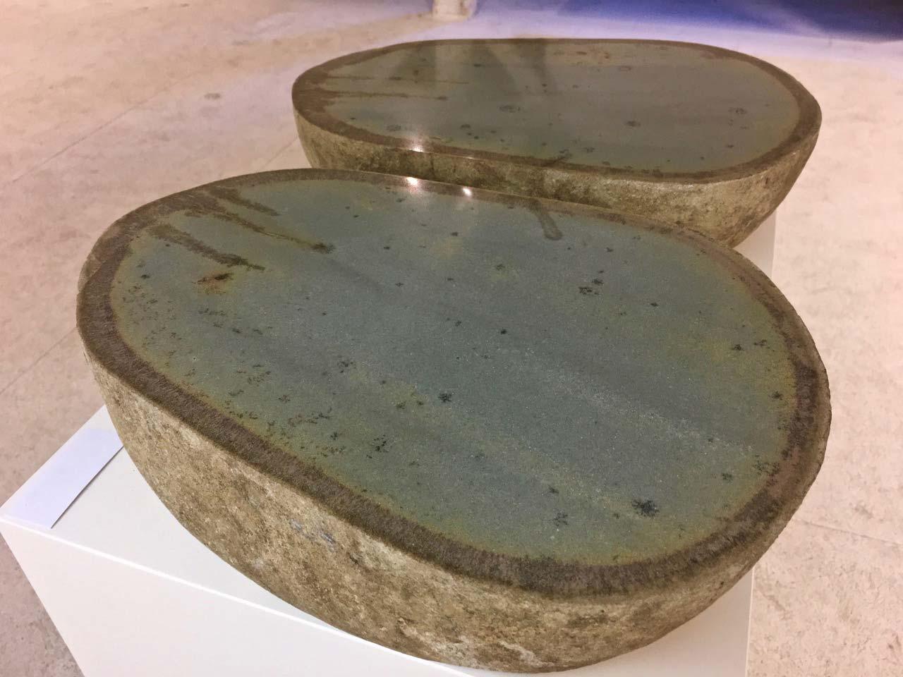 NAHRUNG-NATUR–schalenförmige-Geschiebesteine,-70x40x14cm,-2017,-Sammlung-Urban,-WaidhofenY,-NÖ